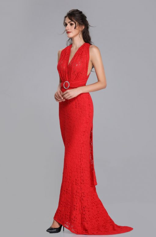 VICKY CHANTILLY LACE COLUMN/SHEATH GOWN IN RED